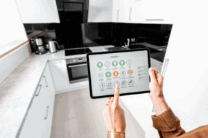 contrôler les appareils de la cuisine